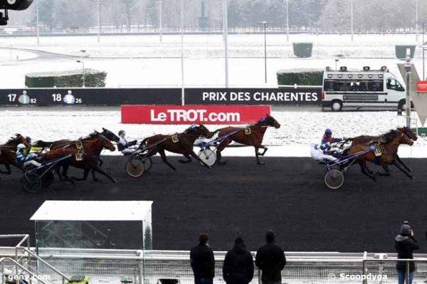 Olééééééééééééé ! 103 Déesse des Noés* ( Stéphane Rouxel ! mon tocard !) 3éme a 20/1  112 Darling Franbleu* (mon outsider !) gagne a 32/1 ! )
