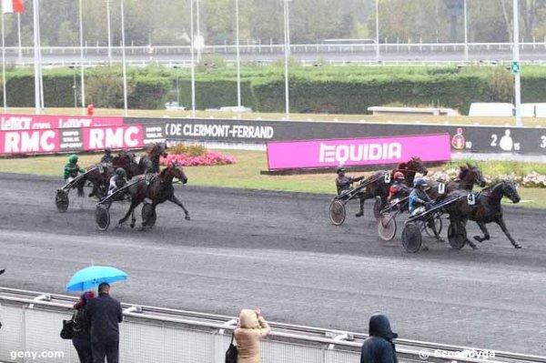 la boule en amateurs dans la 6éme a Vincennes ! on se gave lol ! 605 Brise du Choquel 607 Alex des Champs !