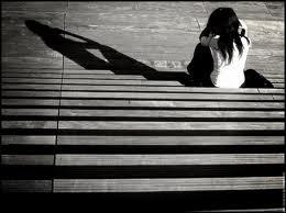 Autant tout avouer que te mentir, je t'aime encore et encore. Mais je sais que toi et moi c'est que du passé mais pardonne moi de t'aimer.