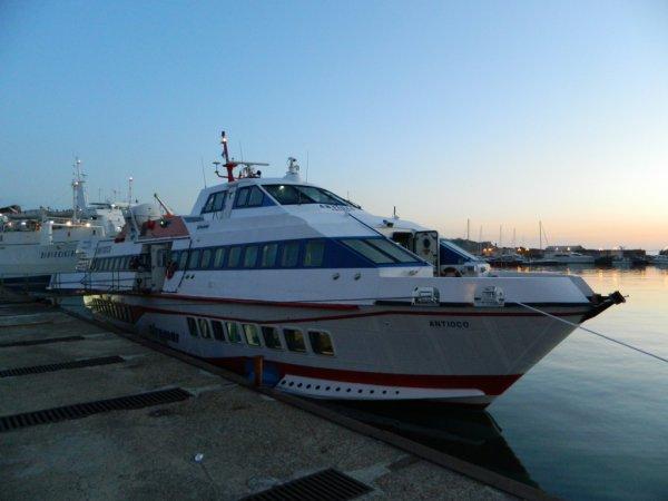 7e voyage à Stromboli - Aliscaphe au départ de Milazzo (26/04/2012 à 06h15)