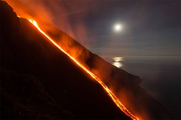 Eruption exceptionnelle des 07 & 08/08/2014 - 11