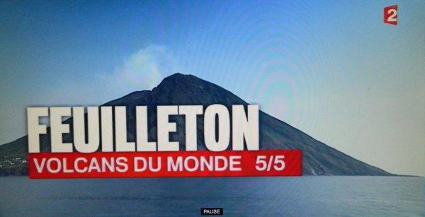 France 2 - JT 13h00 - 29/04/2016 - Volcans du monde - Le Stromboli