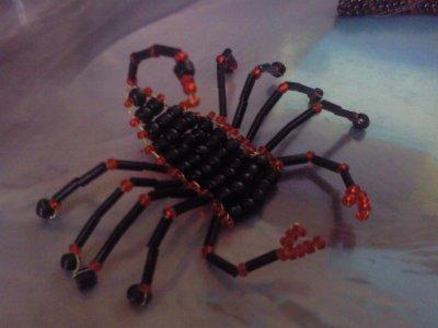 Scorpion en perles