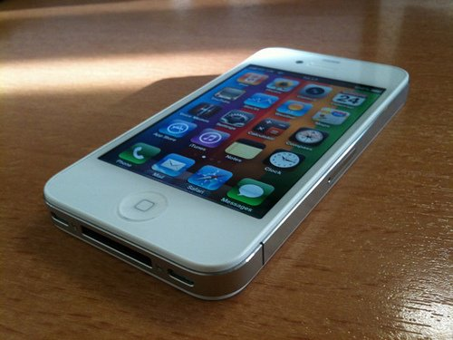 Cherche iphone 4