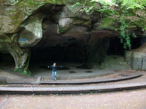 La femme des Caverne!