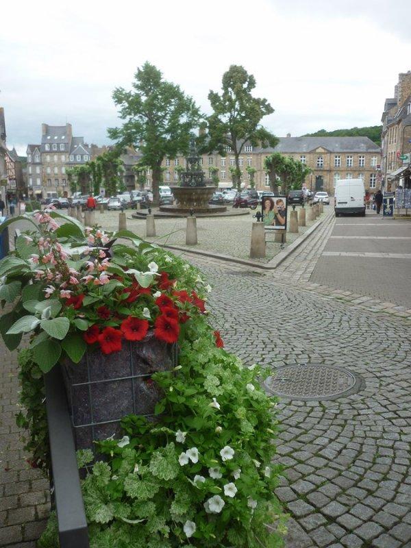 mardi 30 mai    Guingamp  et notre dame de bon secours