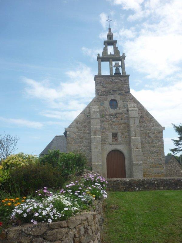 autre chapelle   et jolies vues   le 31 mai  sur le parcours