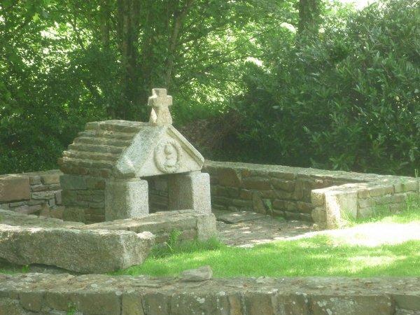 jeudi 1er juin chapelle ste catherine près du gîte et parc de mael-carhaix