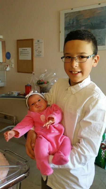Candice ...de nouvelles photos de la   petite princesse des coeurs  reçues  le  16/08/17