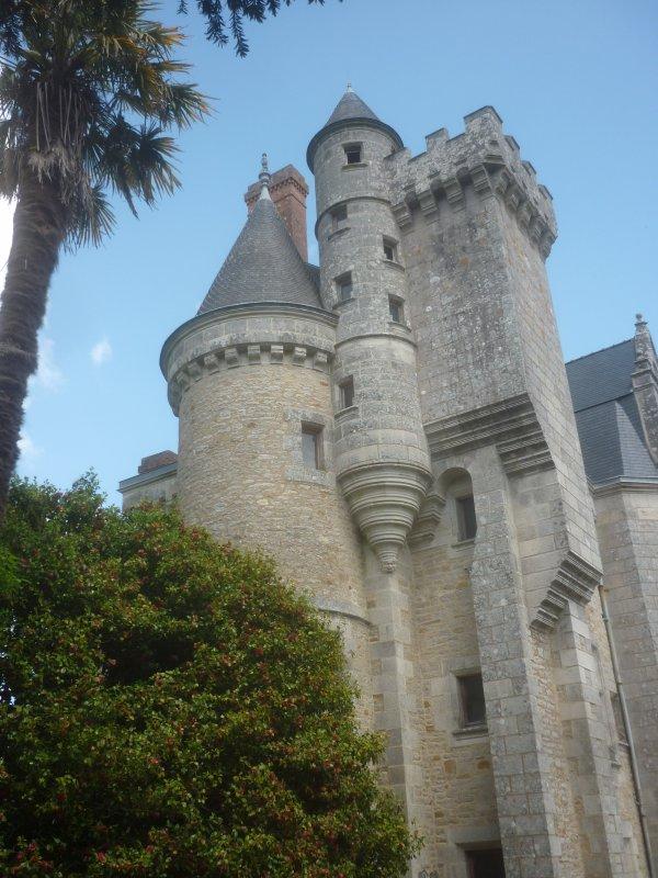 jeudi  10  mai château de Plomelin et Ste Marine