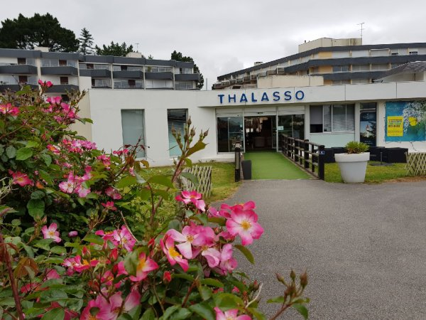 mercredi 30 mai   île Tudy  et Bénodet(les thermes)+ une belle maison