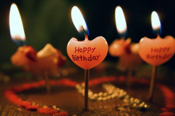 pokemongofan  fête ses 46 ans demain, pense à lui offrir un cadeau.Aujourd'hui à 09:16