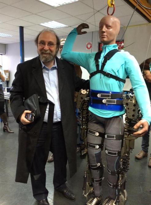 Coupe du Monde 2014 : le coup d'envoi a été donné… par un paraplégique