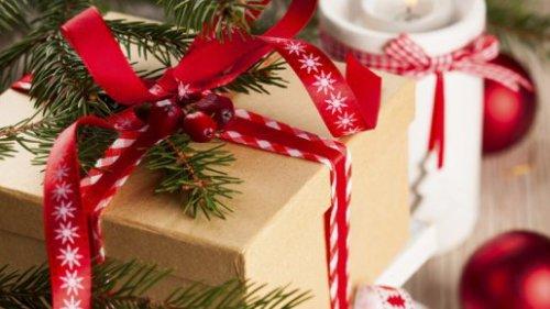 Handicapé, le petit Daniel va ouvrir seul ses cadeaux de Noël pour la première fois !