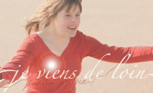 Mathilde, une jeune femme atteinte de trisomie 21 nous raconte son handicap avec ses doutes, ses peurs, ses espoirs...