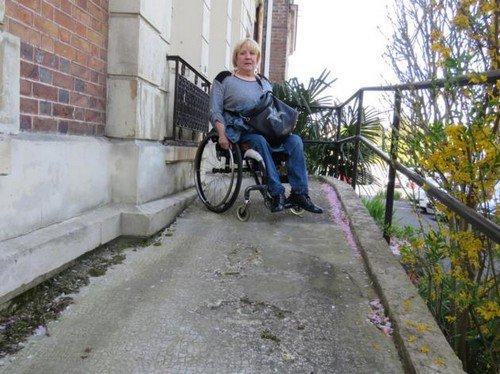 Circuler en ville : le calvaire d'une handicapée