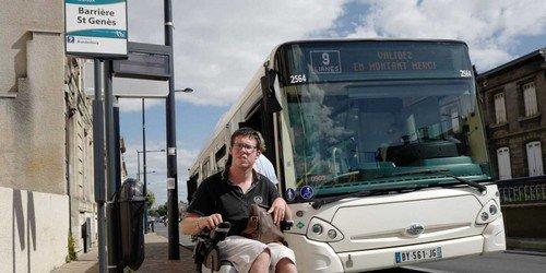Bordeaux : un handicapé se voit refuser l'accès au bus