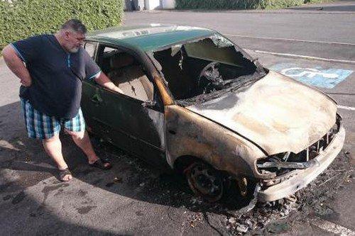 Sa voiture brûlée, un handicapé dans la panade à Mourmelon-le-Grand