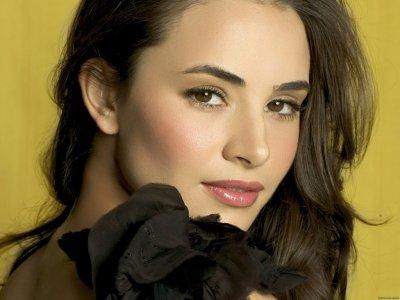 Carmen Denali jouée par Mia Maestro