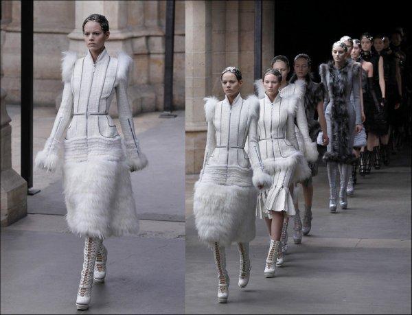 Alexander McQueen F/W2011.12, Paris Fashion Week | Freja opened