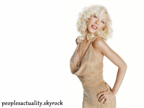 Christina Aguilera : Ne lui parler pas de son poids et de son divorce .