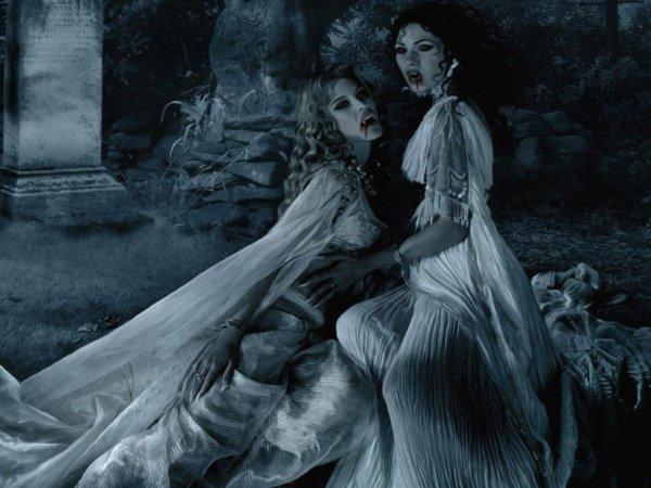 Deux belles femmes vampire ensemble...hummm..