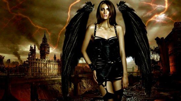 L'ange noir ..trés sexy
