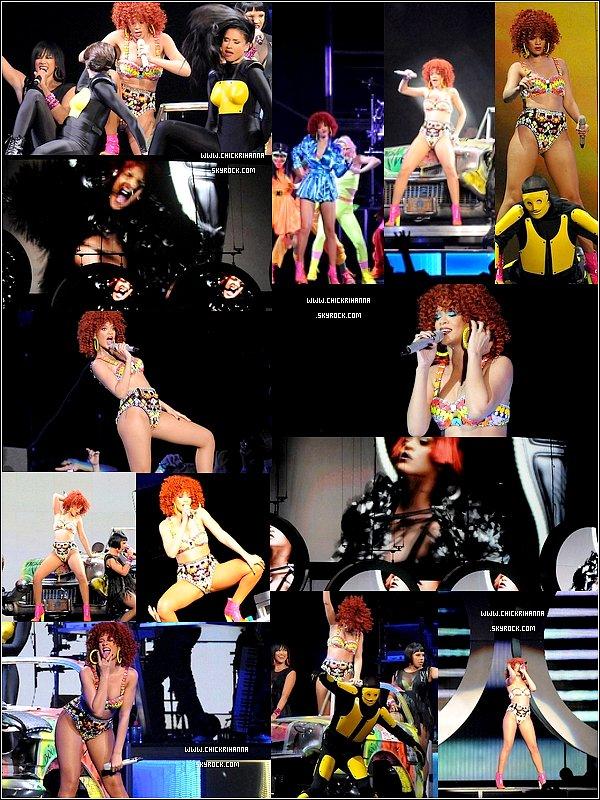 18.06.11 : Rihanna était en concert à Winnipeg.