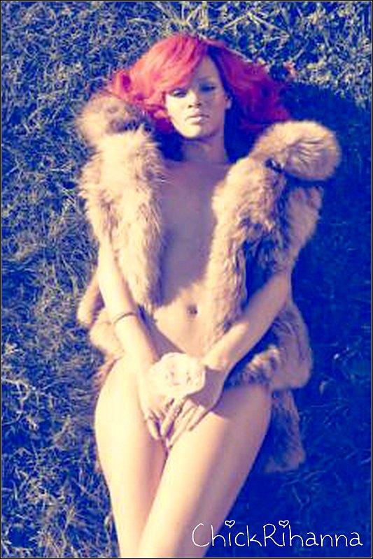 ~ NEW PHOTO 2011 : Une photo promotionnelle de « Loud » fraîchement dévoilée par Rihanna sur son compte Twitter.