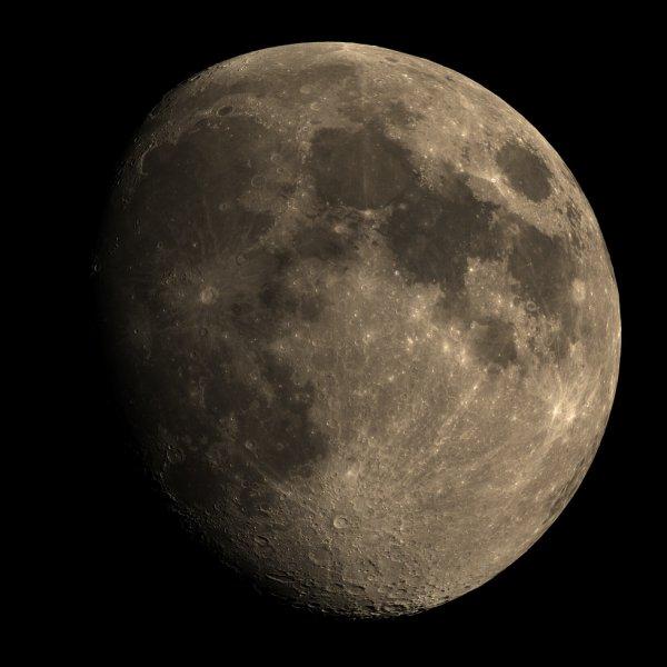 Lune du 02 juin 2020