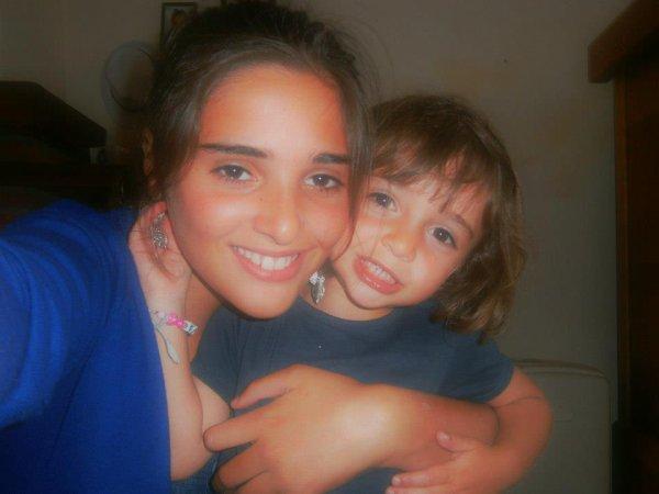 Moi avec ma tite soeurette d'amour <3