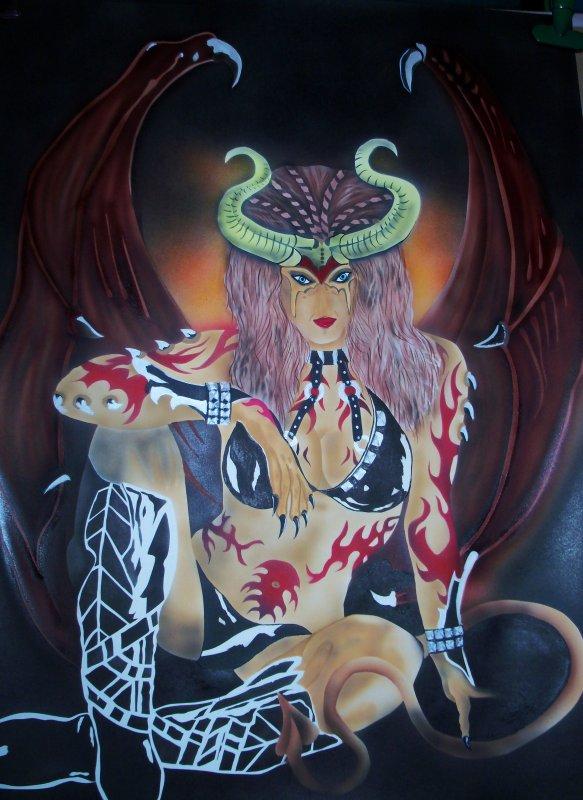 prince de l'enfer au visage de femme