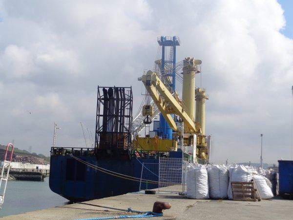 nouvelle grue du port de dieppe