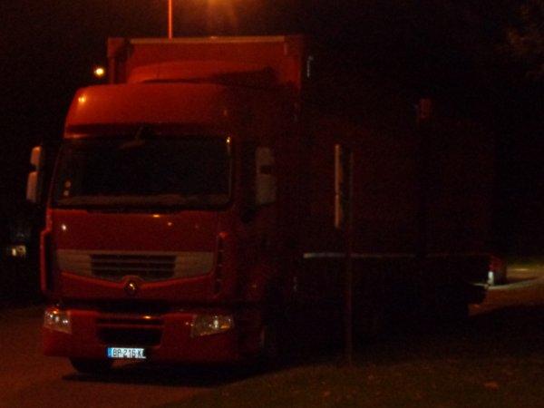 camion pris de nuit
