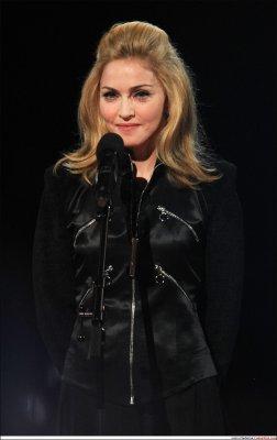 Hommage rendu a Michael Jackson notre King Of Pop par Madonna