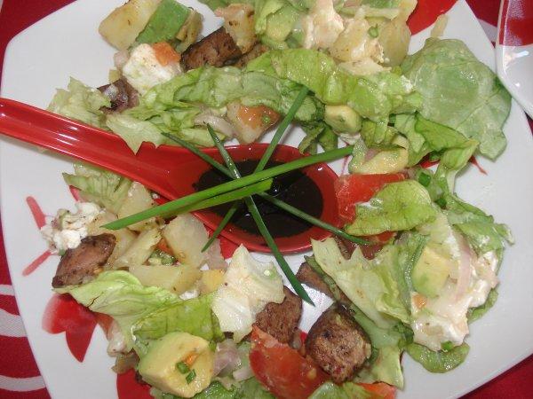 Une autre recette que nous avons mangé ce midi... Une bonne salade composé fraichement préparer!