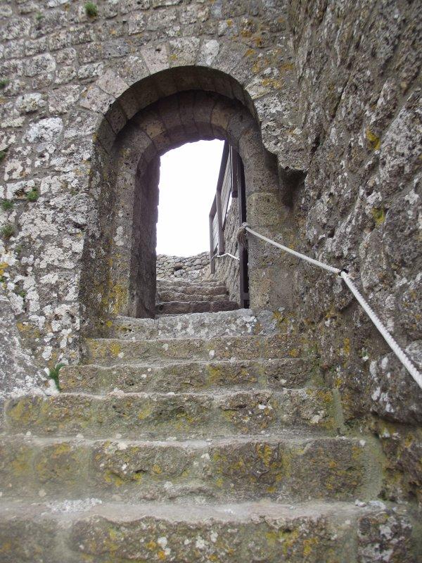 Pour passer cette porte il a fallut prendre la corde et tirer fort pour nous aider a avancer!