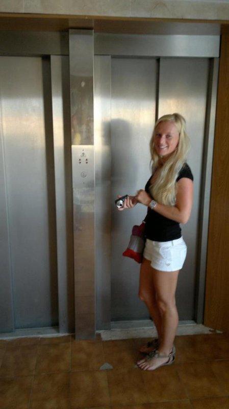 l'ascenseur en panne mon homme a réalisé son fantasme
