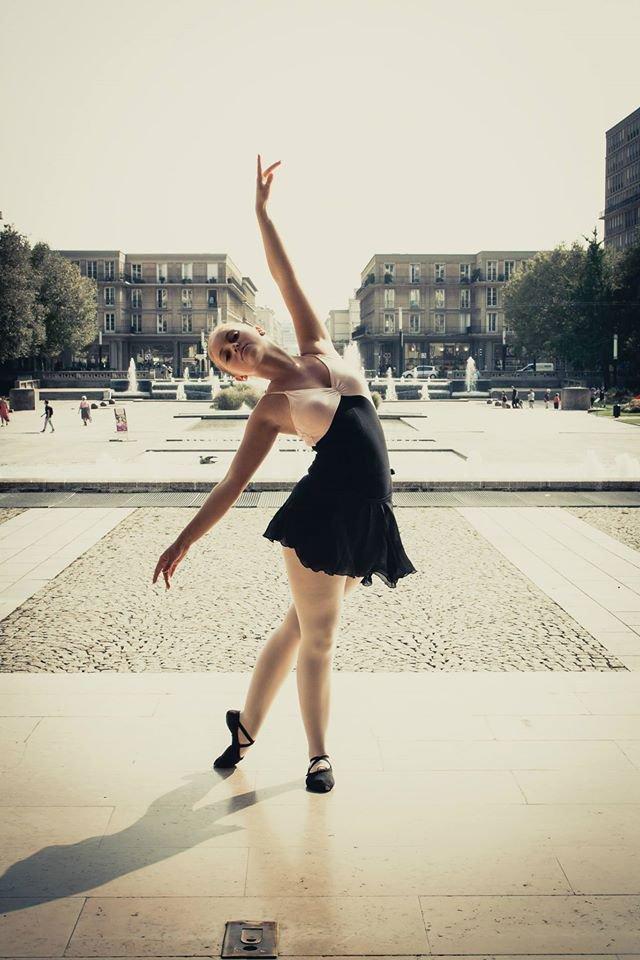 jeune mon rêve c'étais être danseuse