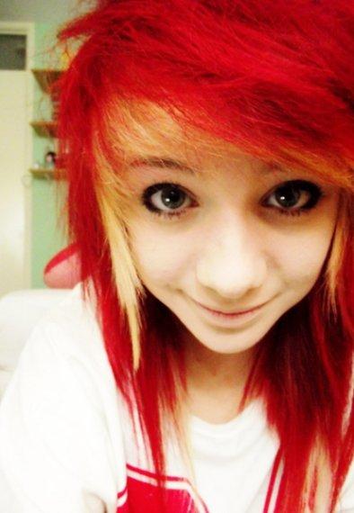 Cheveux Rouges.
