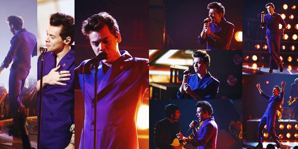 11.11 | Harry Styles a performé et était présent sur le plateau de The Voice Italie à Milan.