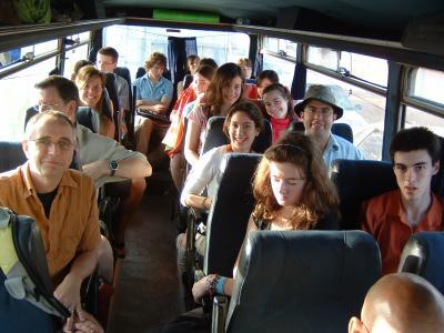 Dans l\'autobus avec les québécois du collège st-hilaire en direction ...