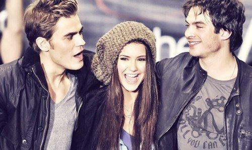 «Tu n'es pas la pire compagnie du monde, Elena.»