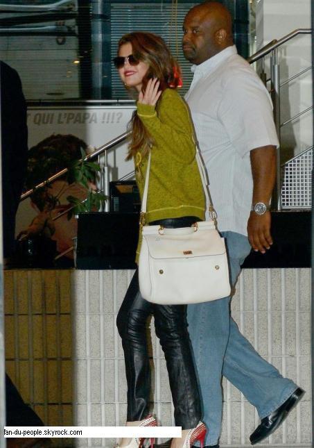 Look de Selena Gomez : Sublime pour son Hangout sur nrj