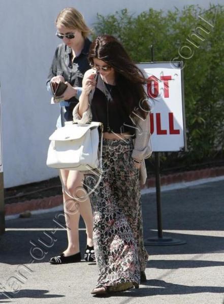 Selena Gomez :  pour une sortie entre amies