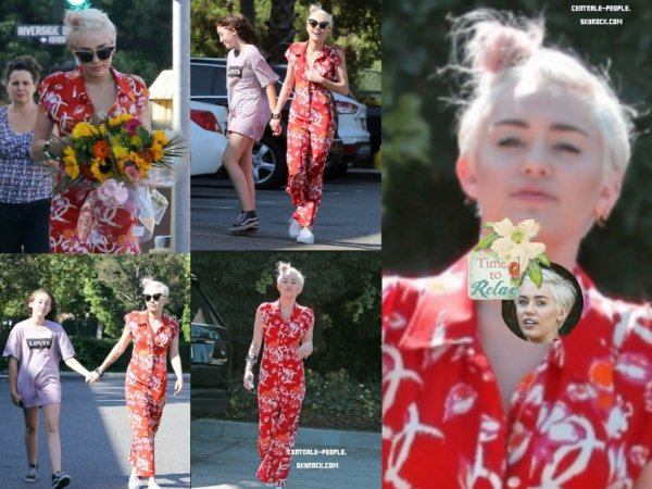 28/06 - Miley Cyrus a été aperçu faisant du shopping Studio City, CA
