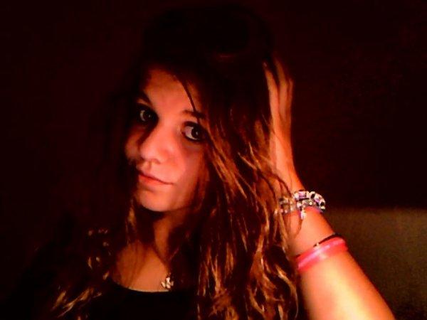 -----> ~ Mathilde ~ ♥ <-----