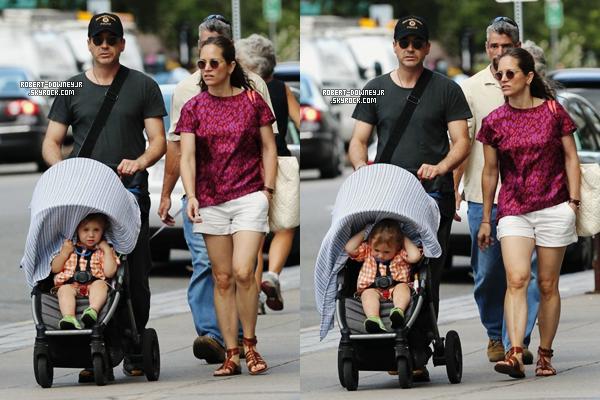 | Candids - 10.08.2013 : Robert et sa famille en balade + teaser HTC