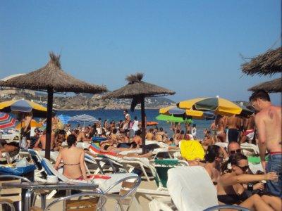 ibizaaa 2010 mes vacances:p=>bora bora une plage magnifique,l ambianse qui rassure incroyable,magnifique paysage,magnifique moments avec vous(l)de belle vacances que je noublirait jamais inoubliable(l)