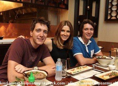 Découvrez une nouvelle photo d'Oliver avec ses fans